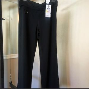 NWT UNDER ARMOUR stretch yoga pants size M